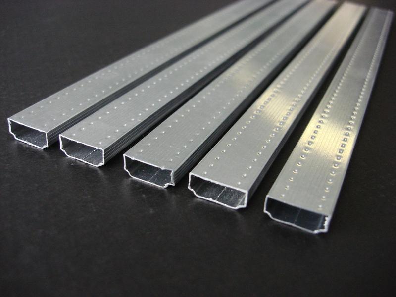 Аллюминиевая рамка для производства пластиковых окон